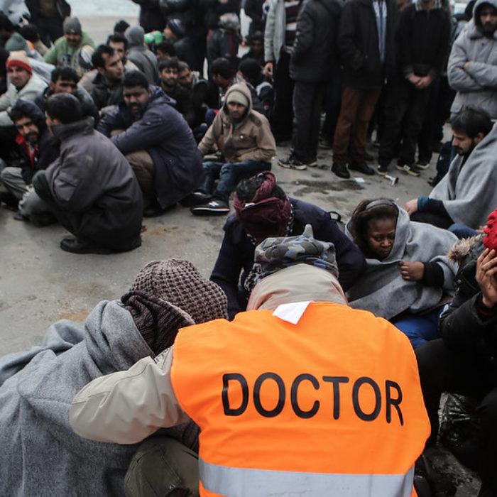 Appeal to evacuate Greek islands facing COVID-19